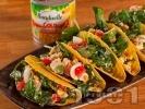 Рецепта Такос предястие с варени пъдпъдъчи яйца, топено сирене, риба тон и царевица от консерва